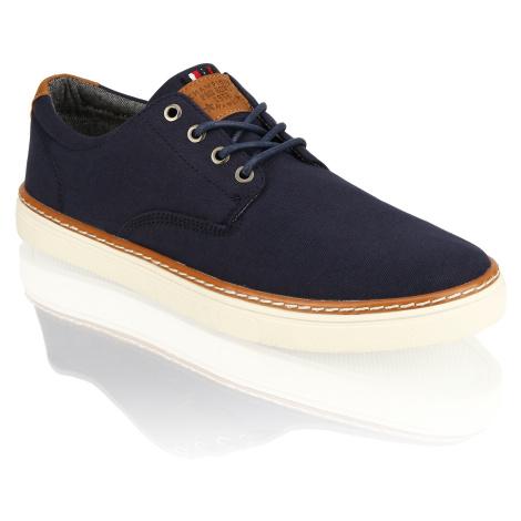 Urban X Canvas Sneaker